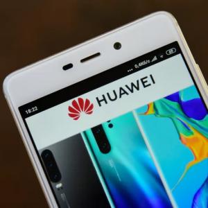 Google、HuaweiにAndroidサービスの停止を検討か Playストアアプリのインストール、Gmail、アプリ課金などが利用不可に
