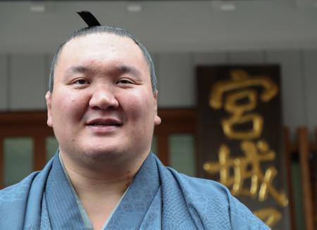 日本名は「白鵬翔」 横綱・白鵬が日本国籍取得 引退後、親方になる資格