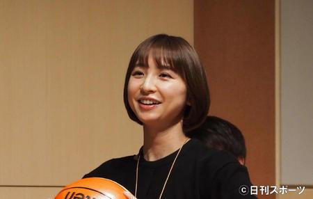 電撃婚の元AKB篠田麻里子が第1子妊娠 来春ごろ出産予定