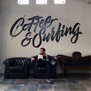 芸能活動を休止中の坂口憲二さん、コーヒー焙煎士になっていた