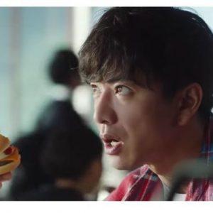 木村拓哉、マックCMでの「独特すぎるバーガー持ち」の謎を広報に直撃