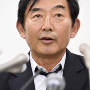 石田純一 マスクなしでバッティングセンター、打席立たず