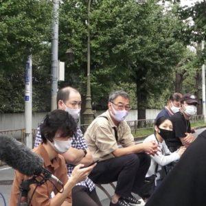 竹内結子さん自宅前にマスコミ集結 YouTuberの「通報」動画で議論に